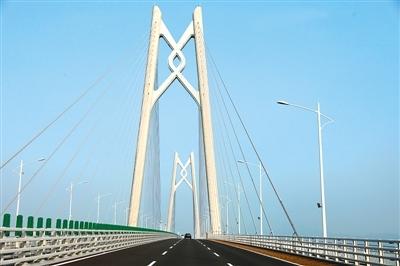 大灣區融合發展添新翼——港珠澳大橋通車一周年
