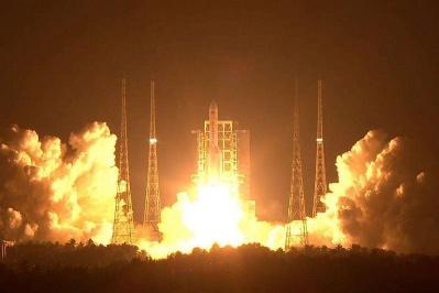 實踐二十號衛星成功定點,東方紅五號衛星公用平台首飛成功